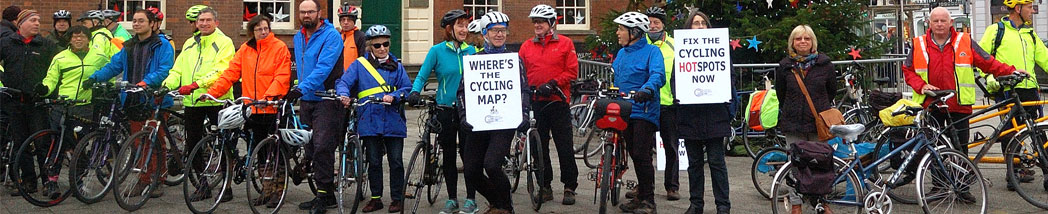TACC supporters and other cyclists showing their support for better and safer cycling routes and facilities